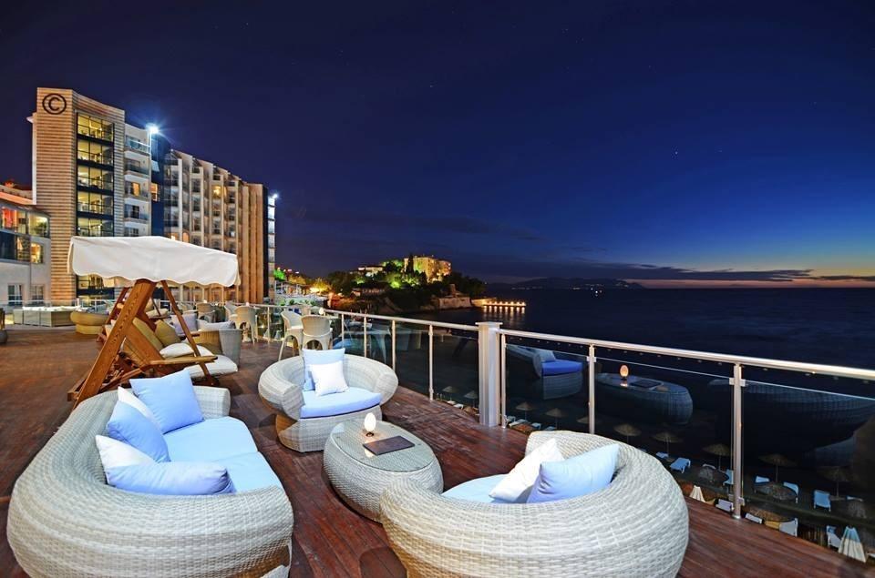 CHARISMA DE LUXE Hotel198369