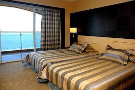 CHARISMA DE LUXE Hotel198310