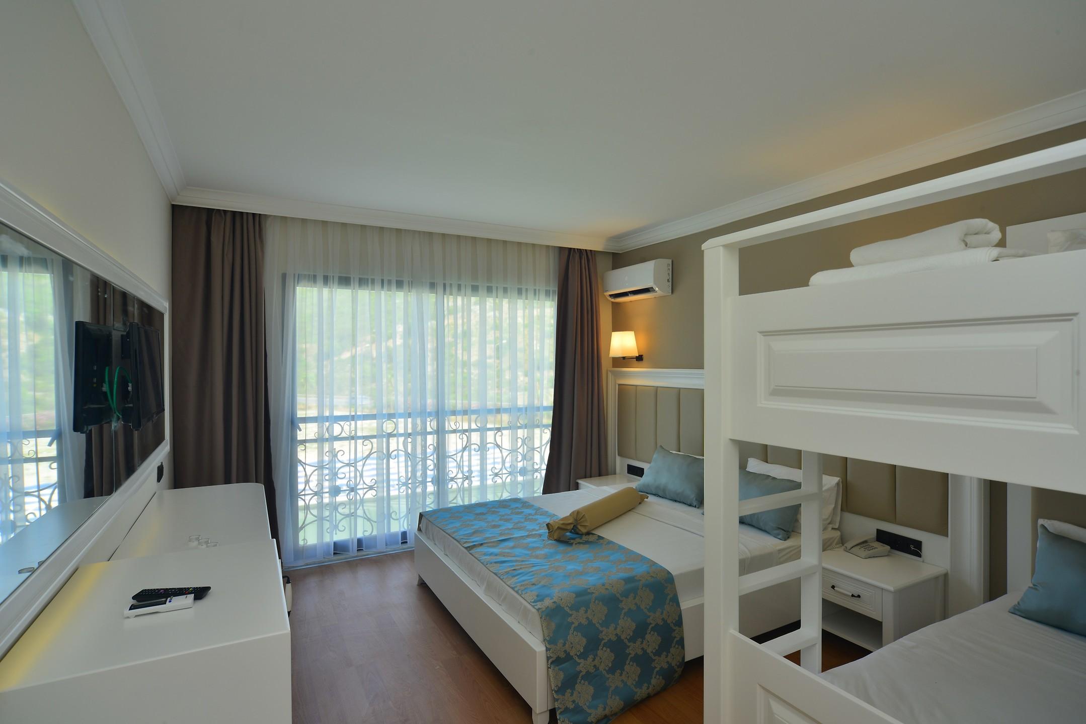 SEA STAR HOTEL261939