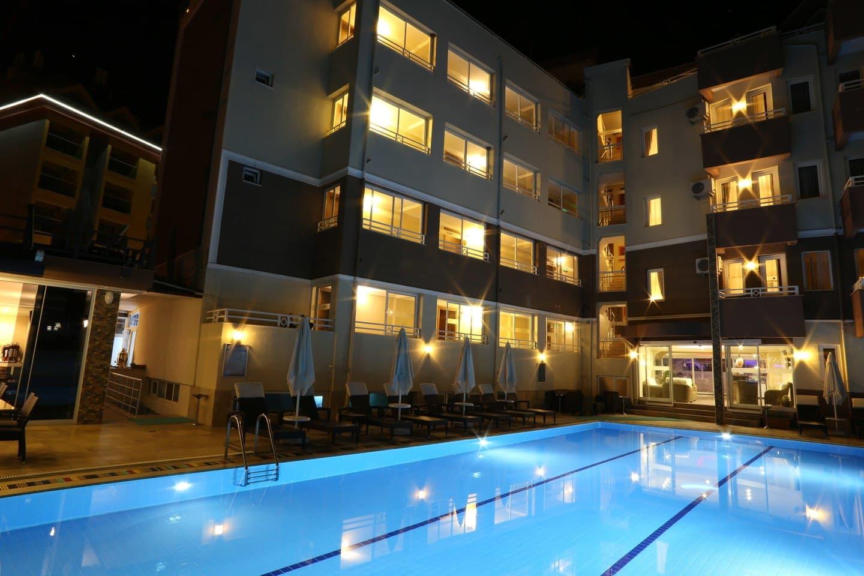 COMET DELUXE HOTEL 263300