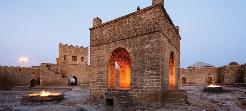 Azerbaycan Bakü Ateşgah Mabedi Turu