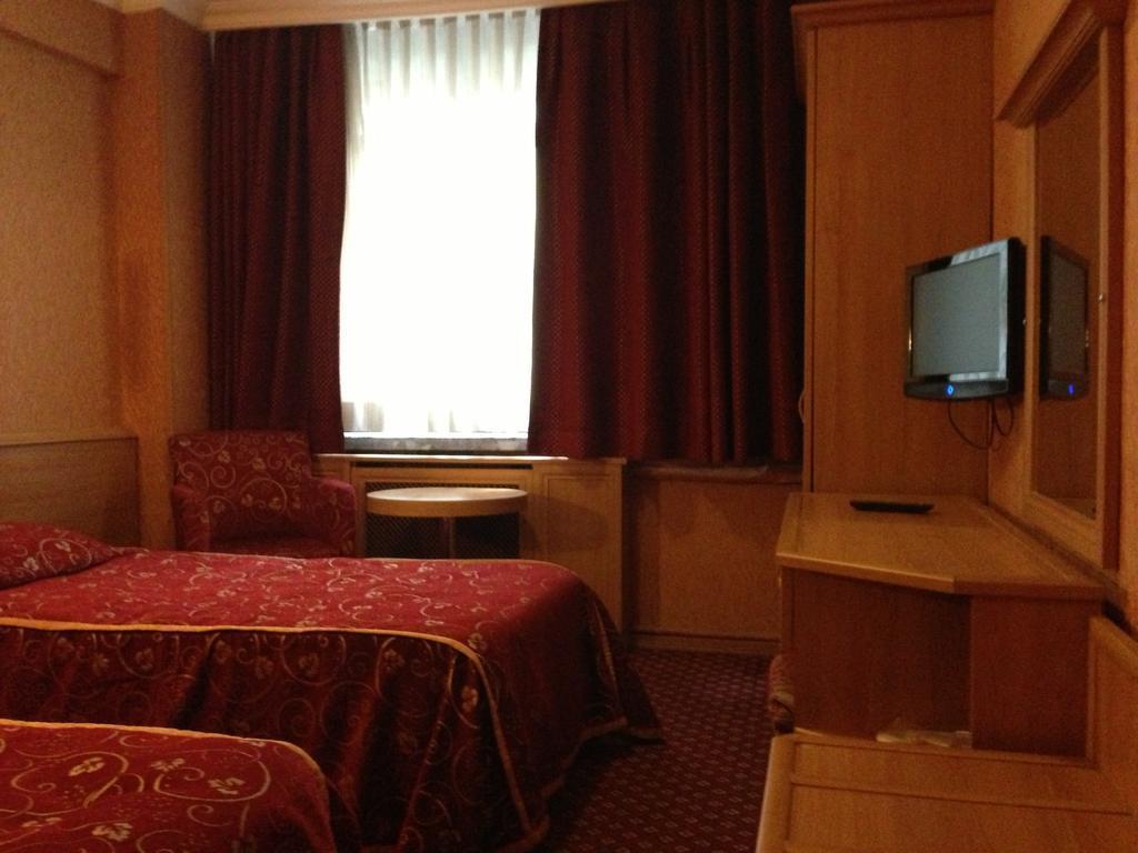 Bristol Hotel248201