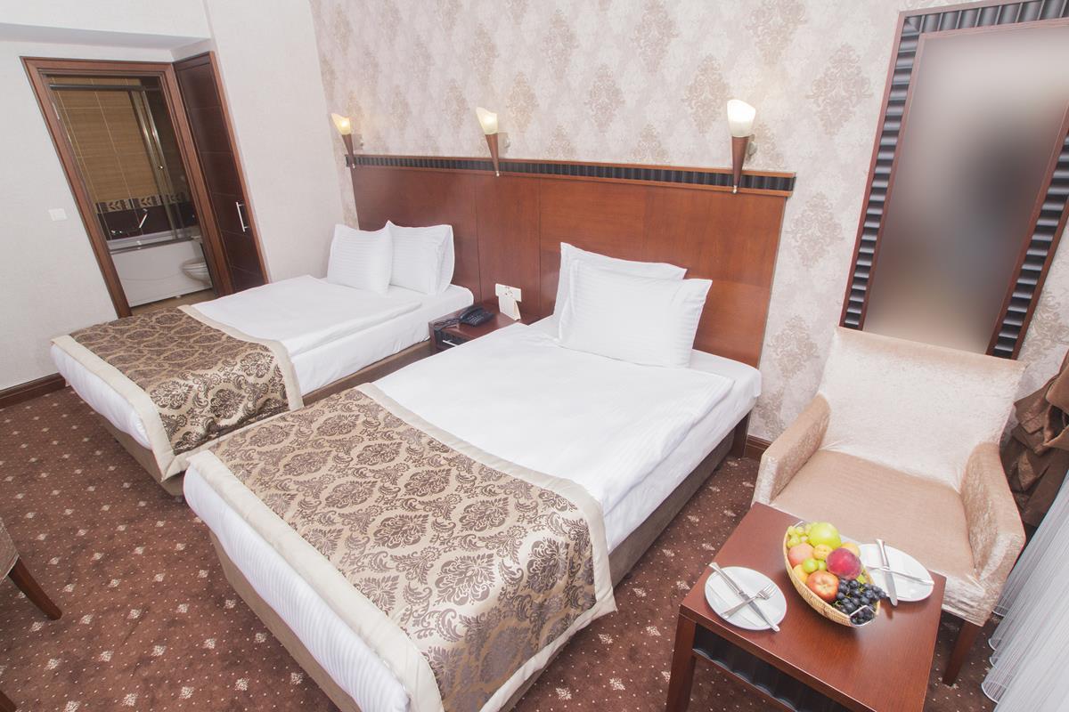 Nova Plaza Crystal Hotel261808