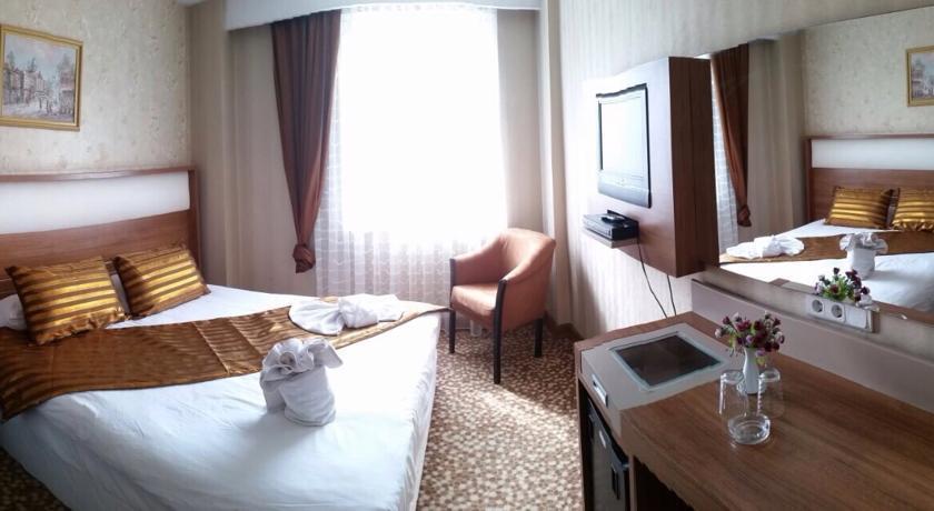 Golden Hill Hotel247869