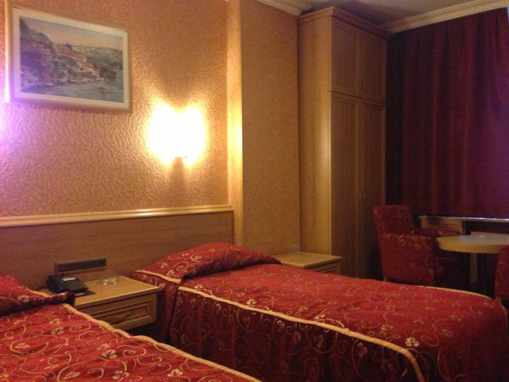 Bristol Hotel248196
