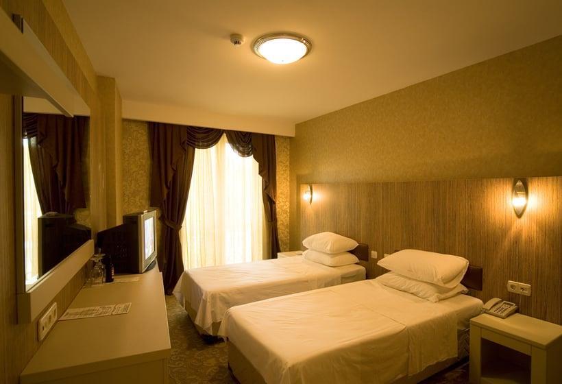 Golden Hill Hotel247872