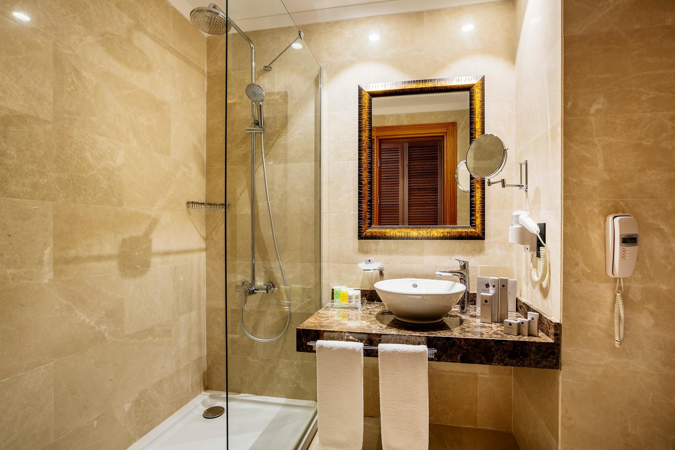 Malpas Hotel205299