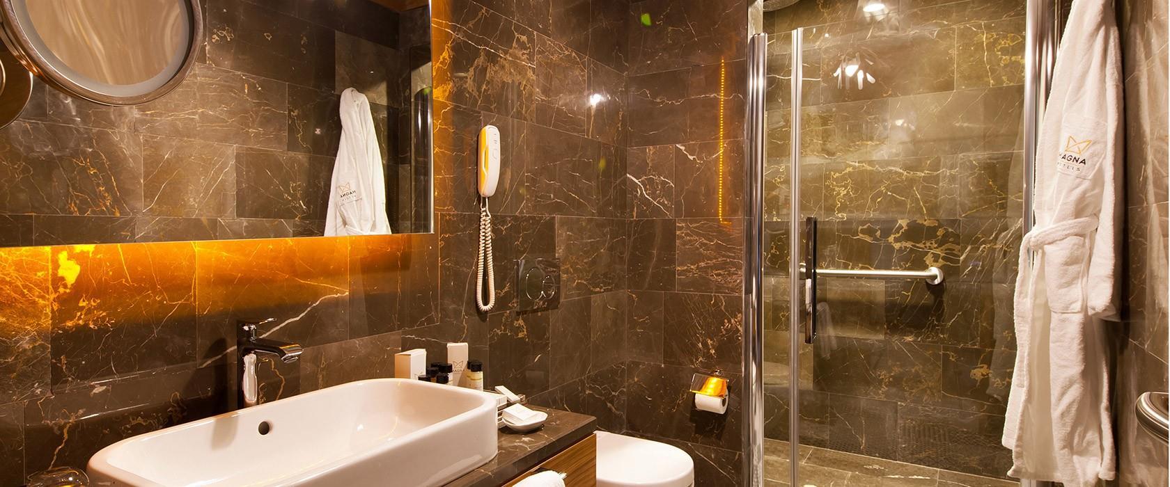 Magna Pivot Hotel203274