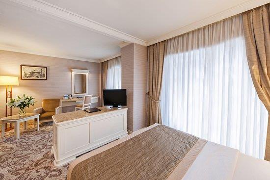 Elite World Prestige Hotel260495