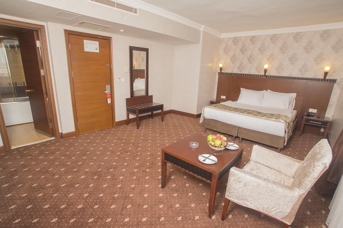 Nova Plaza Crystal Hotel261800