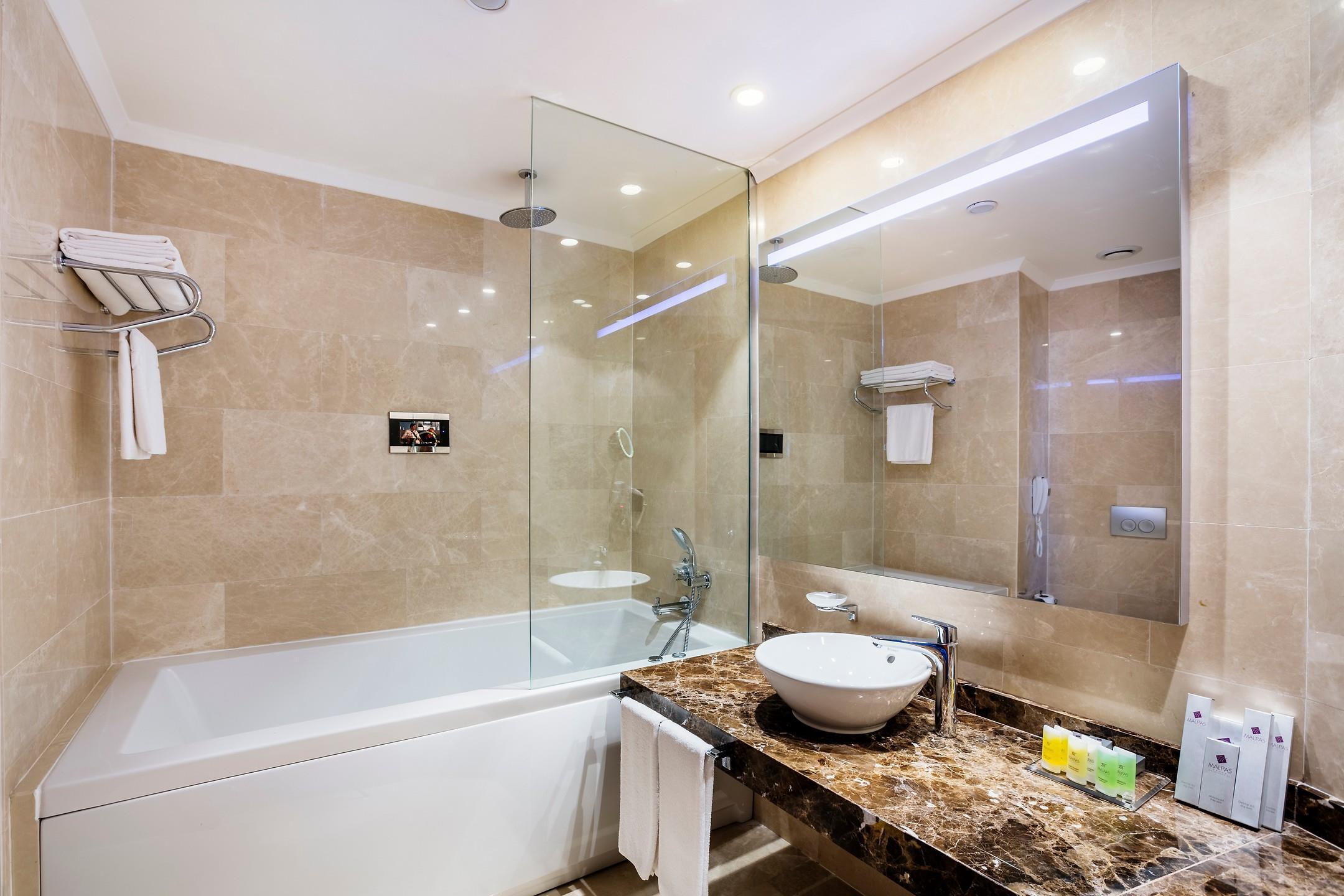 Malpas Hotel205298