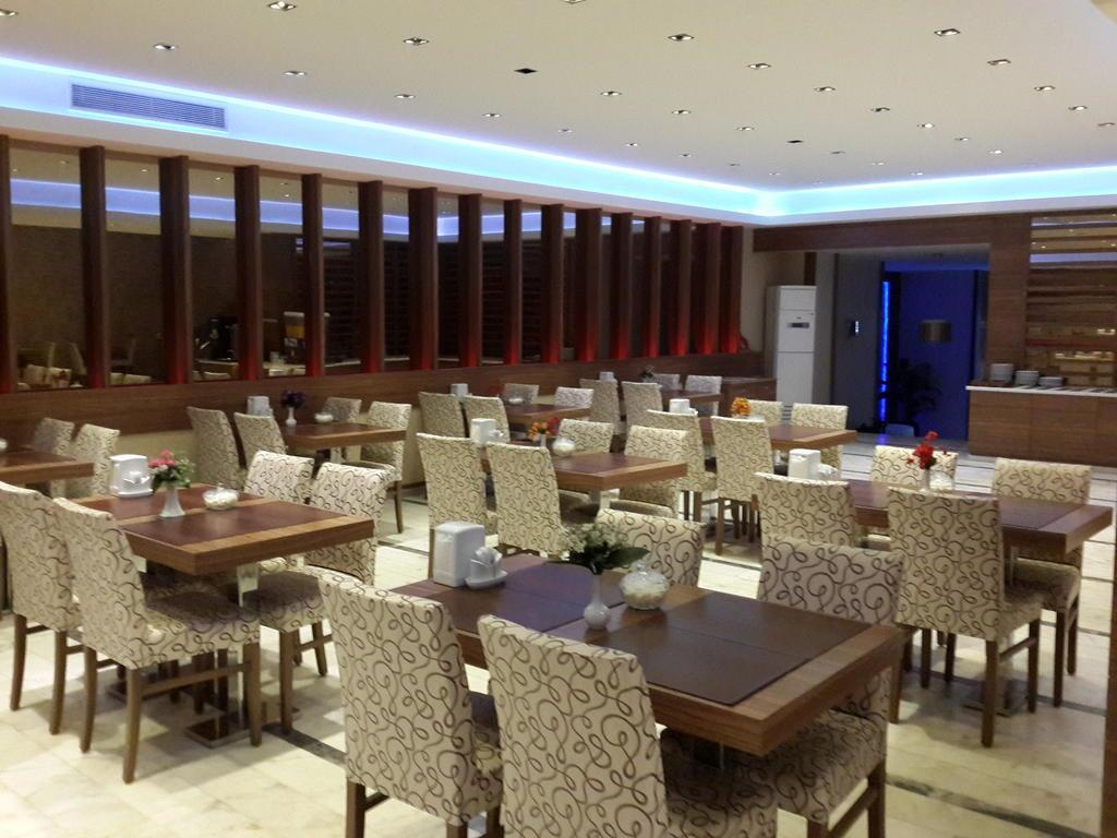 Bristol Hotel248194