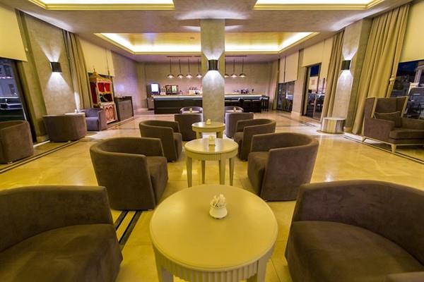 Aurum Moon Resort212611