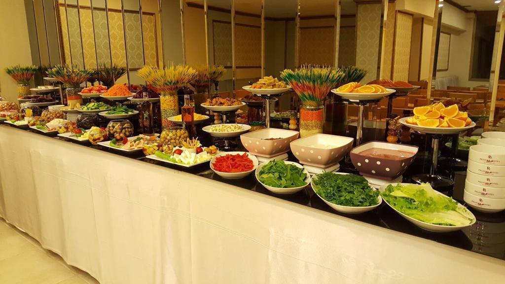 Pelican House Hotel258556