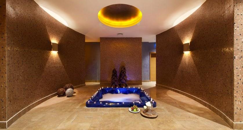 Magna Pivot Hotel203284