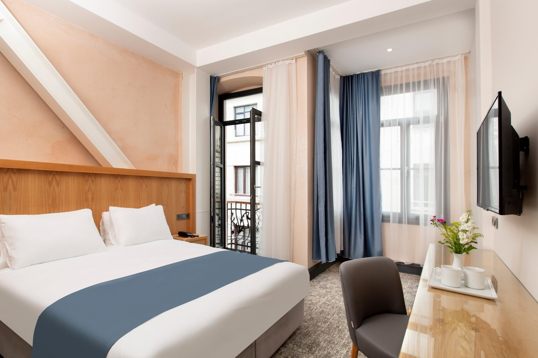 Premist Hotel261176