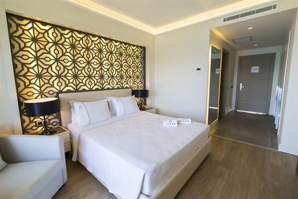 Aurum Moon Resort212626