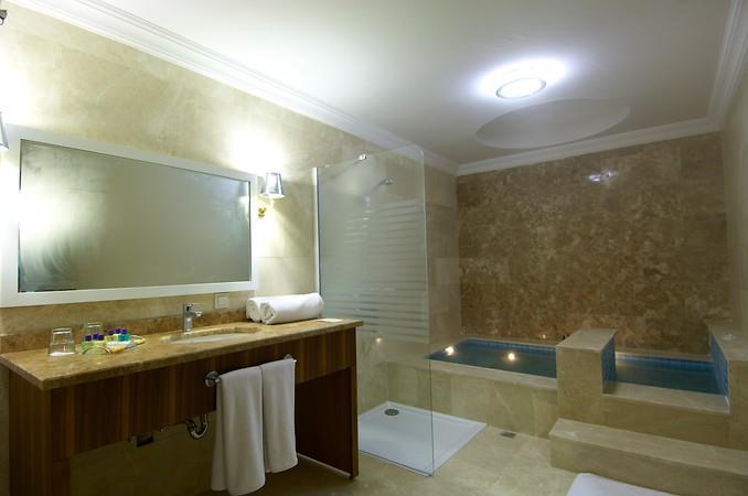 Safran Thermal Resort204555