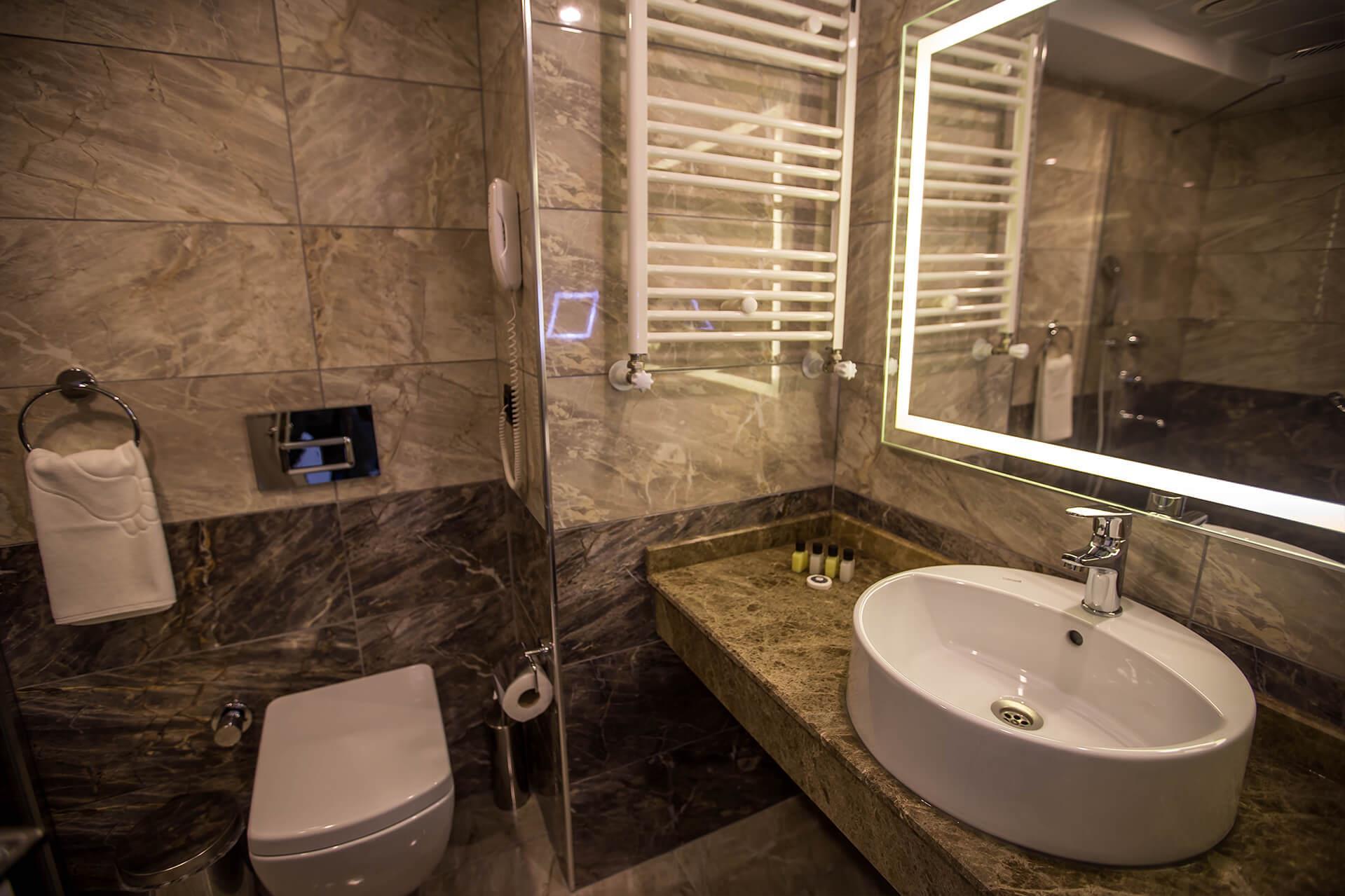 Karpalas City Hotel & Spa204139