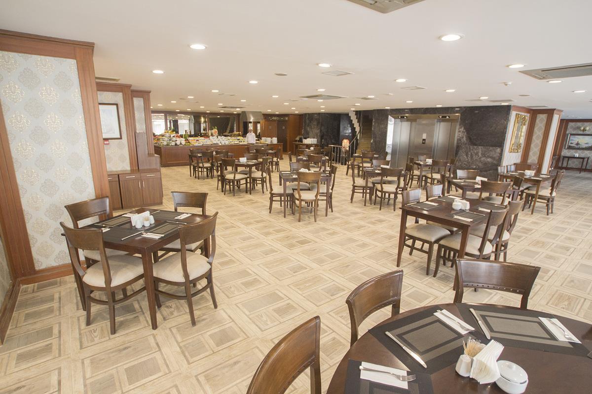 Nova Plaza Crystal Hotel261802