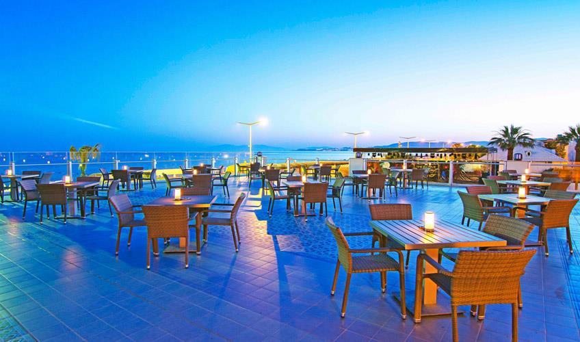 Palm Wings Beach Resort & SPA  Kuşadası244063