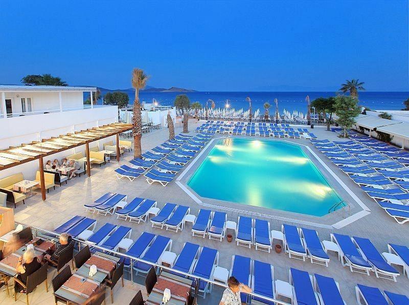 Bodrum Petunya Beach Resort 4* Yahsi Tour