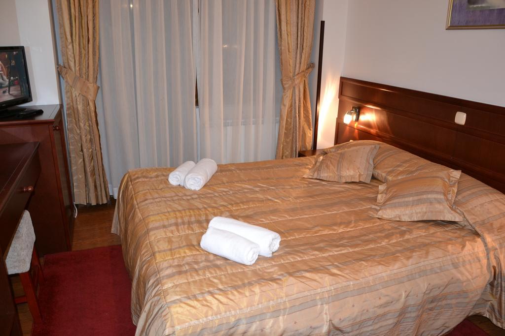 Hotel Dva Bisera218400