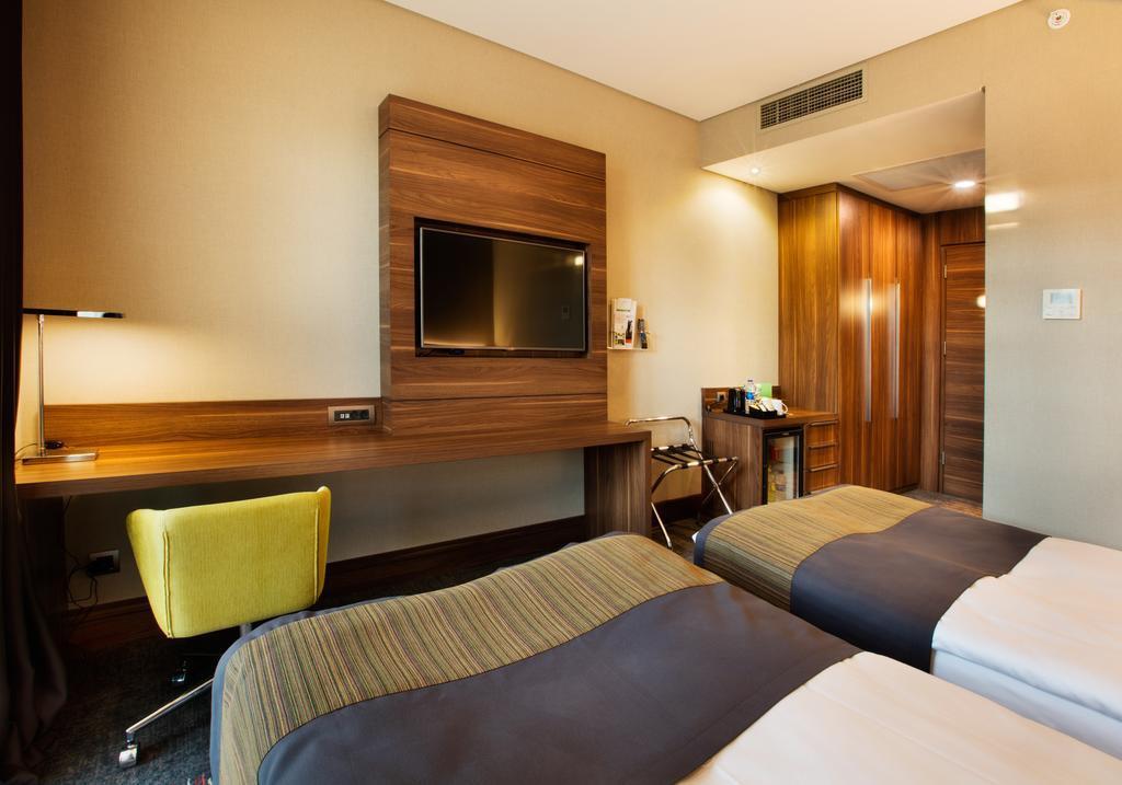 Holiday Inn İstanbul Kadıköy267310