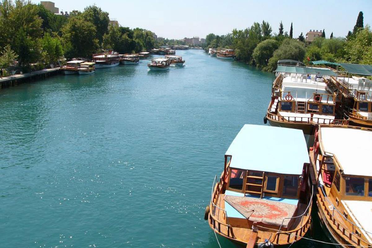 Antické Side a řeka Manavgat