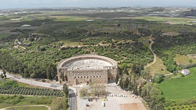 Perge, Aspendos a Kurşunlu